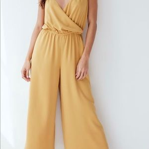 RARE Aritzia Wilfred Free Melodie Jumpsuit